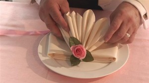 how-to-do-fancy-napkin-folding.WidePlayer